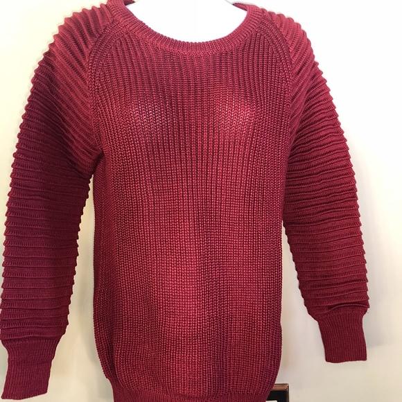 Avon Favorite Wine Sweater Womens Red Burgundy. NWT. mark.  15  40. Size. M d54b2f2f1